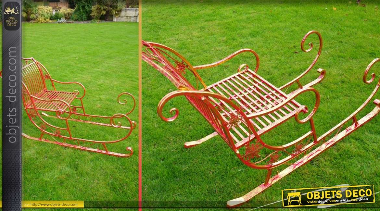 fauteuil de jardin en forme de traineau de p re no l. Black Bedroom Furniture Sets. Home Design Ideas