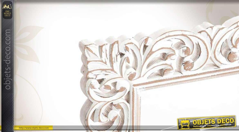 Miroir baroque bois avec ornementation entrelac e for Objet mural deco