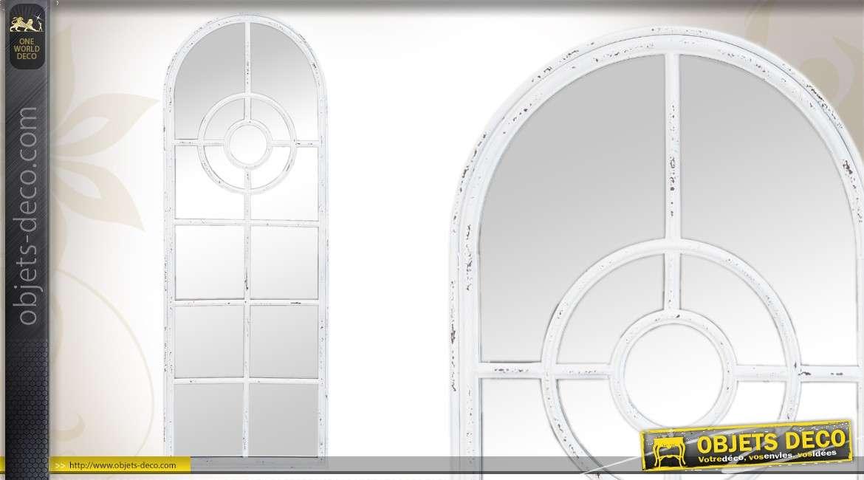 Grand miroir sur pied 173 cm style fer forg blanc antique for Verre et miroir