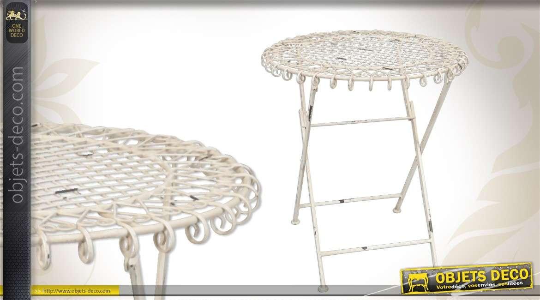 Table de jardin blanche inspiration fer forgé