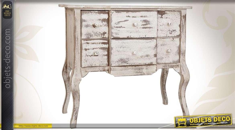 commode vieillie en bois de couleur blanche. Black Bedroom Furniture Sets. Home Design Ideas