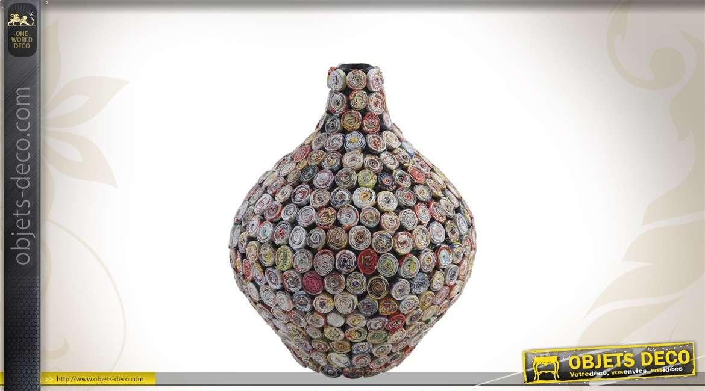 Vase décoratif en papier recyclé
