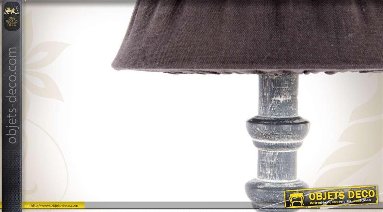 lampe de chevet patin e coloris gris. Black Bedroom Furniture Sets. Home Design Ideas