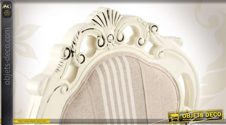 chaise en bois et en tissu de style ancien coloris clairs. Black Bedroom Furniture Sets. Home Design Ideas