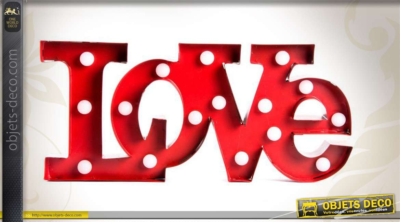 Décoration murale en métal avec éclairage LED : Love