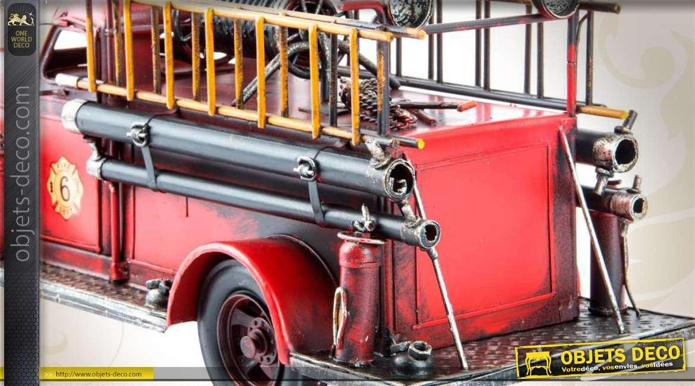 reproduction d corative d 39 un vieux camion de pompiers 41 cm. Black Bedroom Furniture Sets. Home Design Ideas