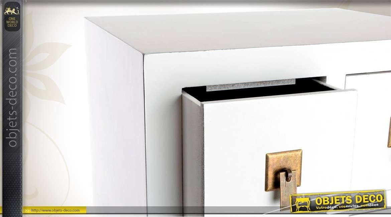 Chiffonnier blanc et dor de style japonais 8 tiroirs carr s for Meubles japonais suisse