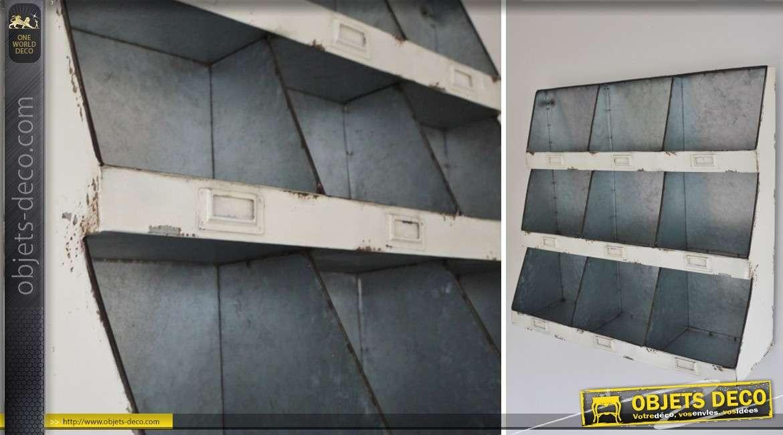 Etagère murale à 9 casiers de style industriel