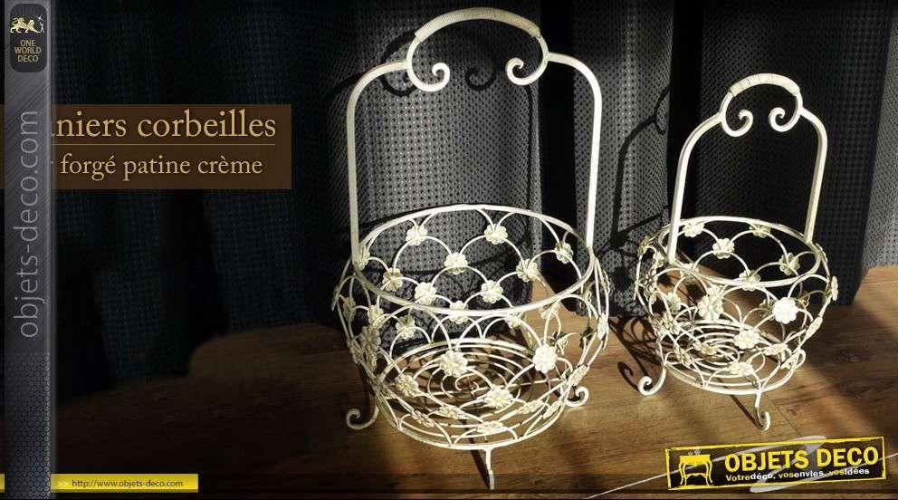 deux paniers corbeilles cr me en fer forg. Black Bedroom Furniture Sets. Home Design Ideas