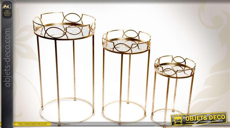 3 sellettes en métal doré avec plateaux à galeries en miroirs
