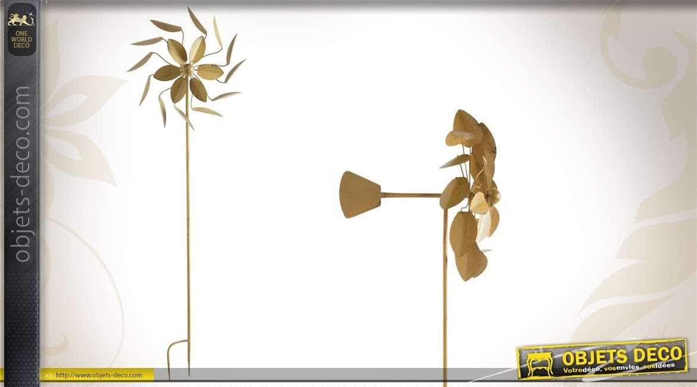 Décoration de jardin : Eolienne en métal coloris ocre