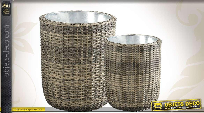 Duo de vases décoratifs en rotin synthétique, métal et zinc