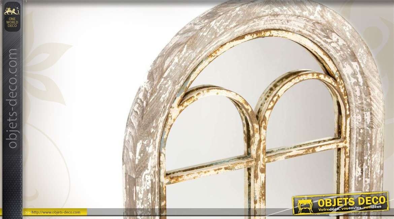 Miroir fen tre mural d co en bois vieilli patin blanc ancien for Miroir blanc vieilli