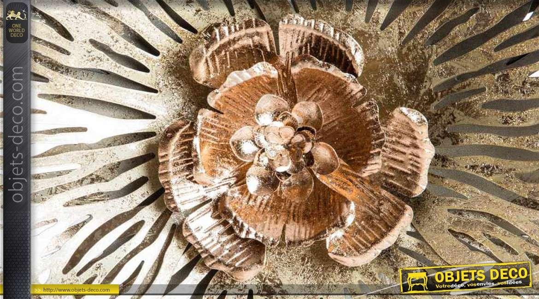 Fleur Géante Et Dorée En Métal Pour Décoration Murale