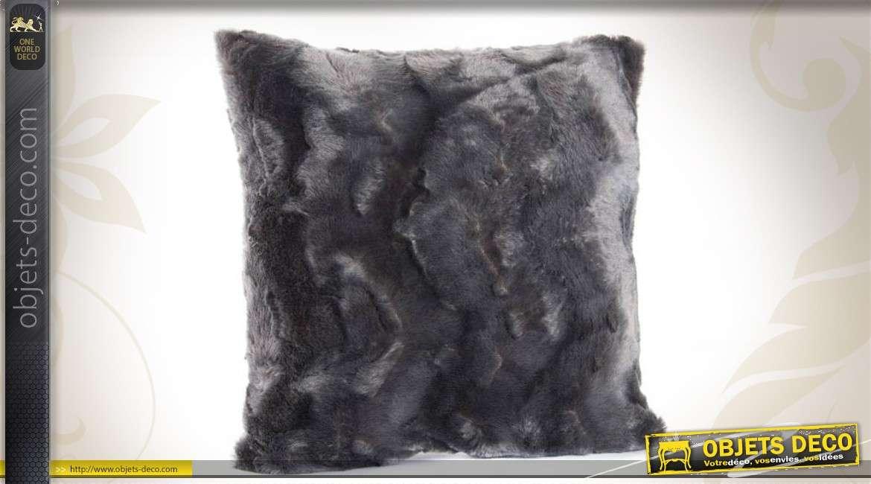 coussin fourrure synth tique coloris gris anthracite 45 x. Black Bedroom Furniture Sets. Home Design Ideas