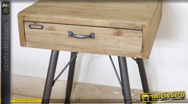 Table de nuit de style industriel et rétro en bois et métal
