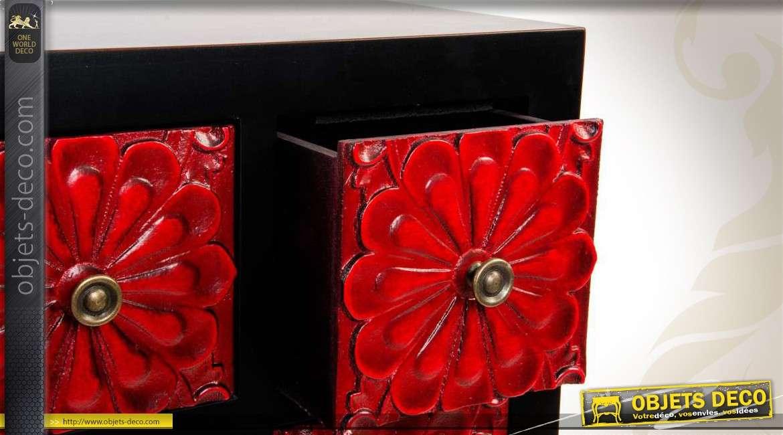 Cabinet japonais noir et rouge orn de sculptures florales for Objet deco rouge et noir