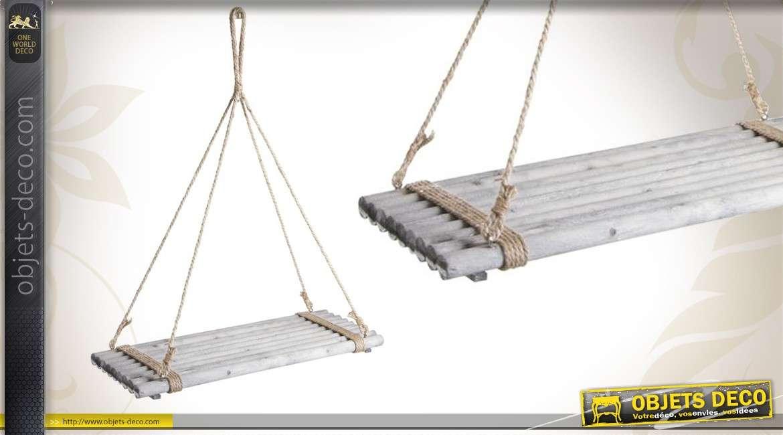 Etagère suspendue en bois teinté avec corde