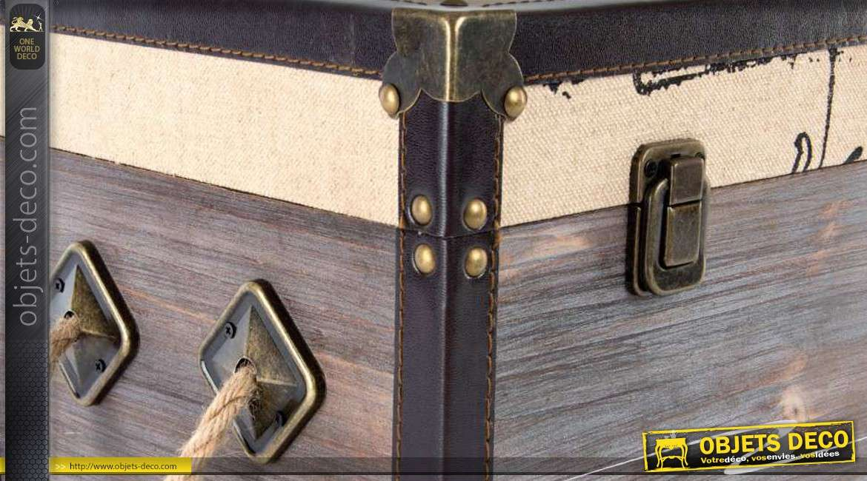 trio de coffres en bois de style vintage avec anses en corde. Black Bedroom Furniture Sets. Home Design Ideas