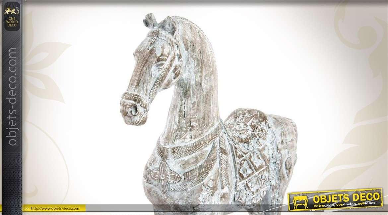Statuette de cheval patin e blanc finition ancienne for Objet deco animaux