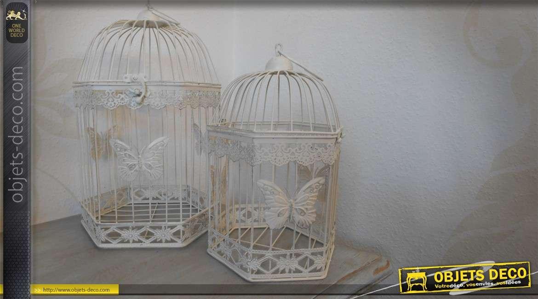 S rie de 2 cages oiseaux coloris blanc patin motifs for Deco cage a oiseaux