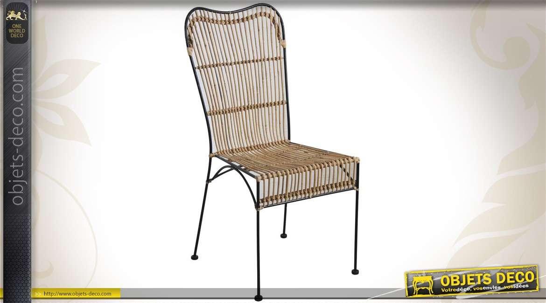 Chaise en métal et en rotin naturel