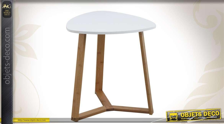 Table en bois de style scandinave coloris blanc