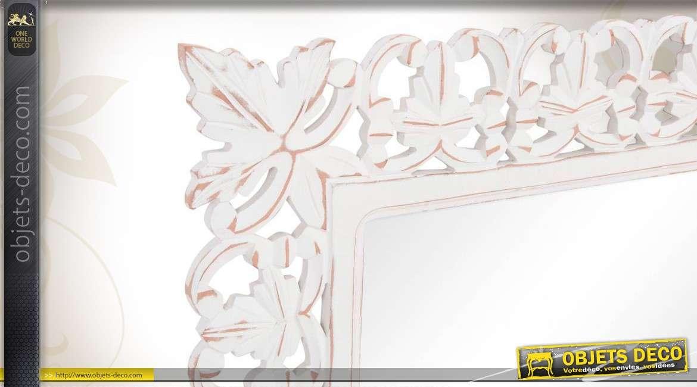 miroir mural en bois sculpt et patin blanc ancien. Black Bedroom Furniture Sets. Home Design Ideas