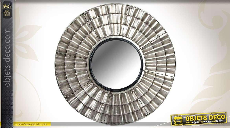 Miroir mural rond en m tal argent effet ondul 93 cm for Miroir rond 60