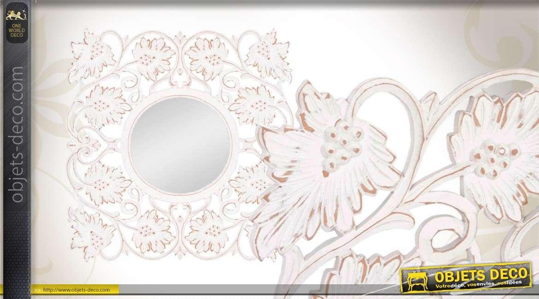 Miroir romantique baroque en bois motifs floraux blanc antique for Miroir blanc vieilli