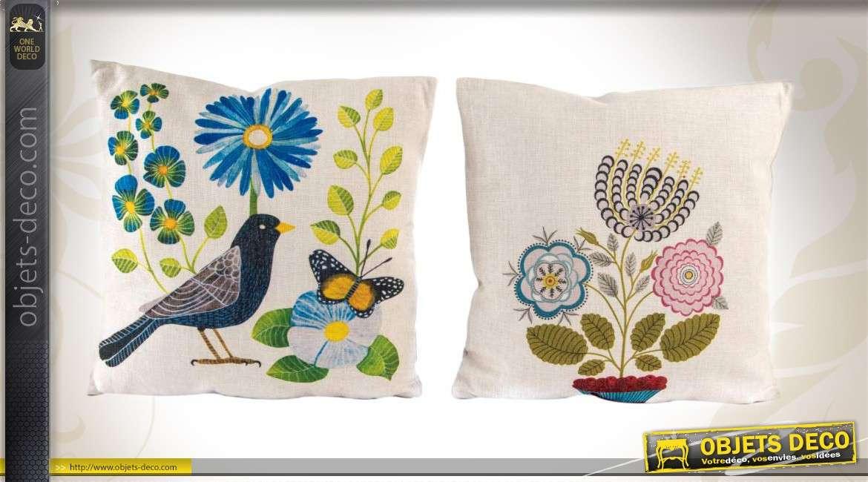 2 coussins de d coration carr s motifs color s. Black Bedroom Furniture Sets. Home Design Ideas