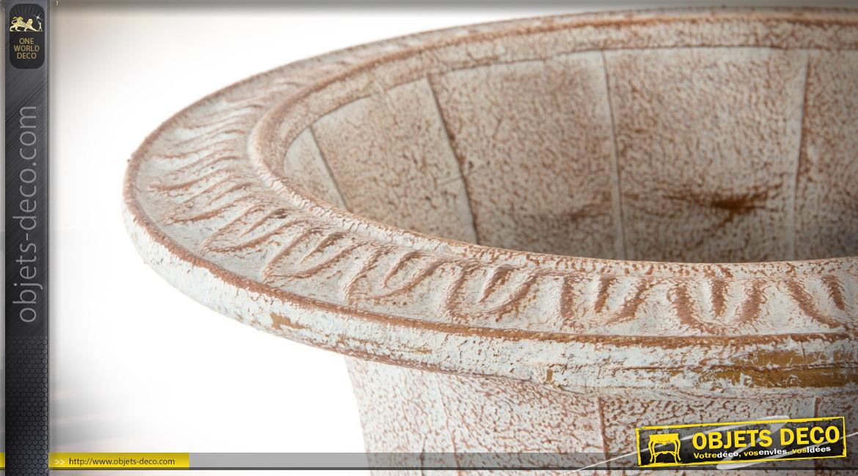 Vase décoratif en métal vieilli d'inspiration Médicis