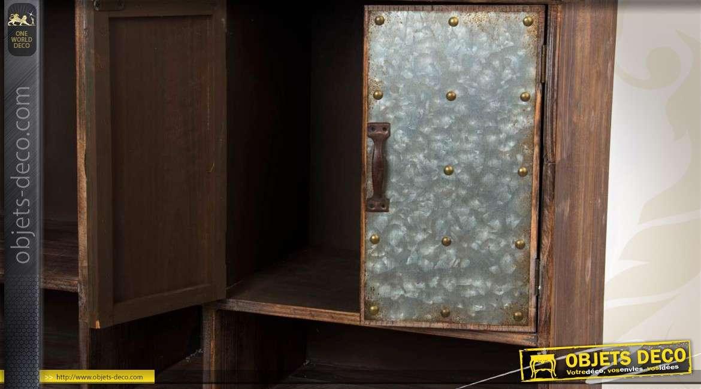Meuble industriel en bois et en m tal finition vieillie for Finition meuble