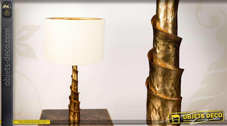 lampe de table en m tal avec pampilles color es. Black Bedroom Furniture Sets. Home Design Ideas