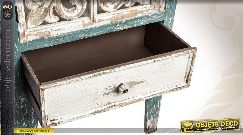 armoire d 39 appoint de style ancien patin e et vieillie. Black Bedroom Furniture Sets. Home Design Ideas