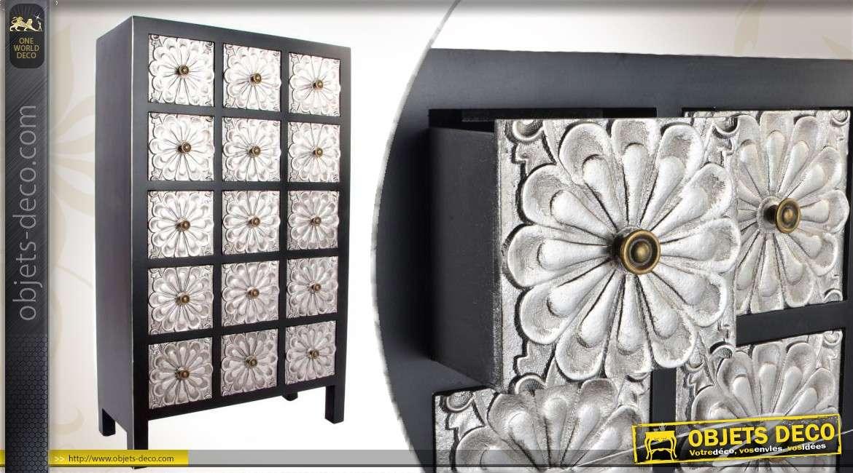 Commode d 39 inspiration japonaise pourvue de 15 tiroirs for Commode japonaise