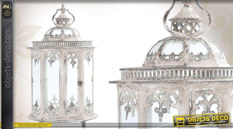 lanterne de style ancien patin e blanc vieilli. Black Bedroom Furniture Sets. Home Design Ideas