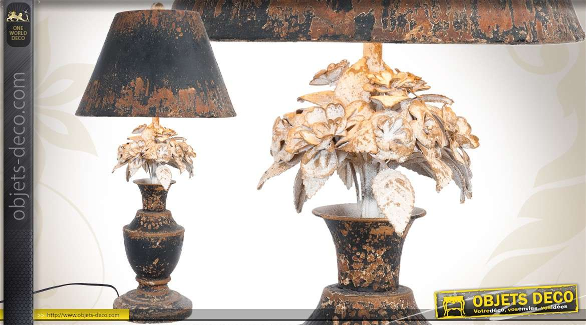 lampe de table de style ancien avec bouquet floral. Black Bedroom Furniture Sets. Home Design Ideas
