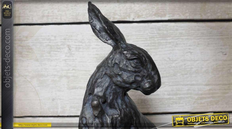 Grande statuette d'un lièvre