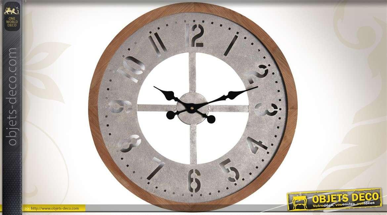 Horloge murale en bois et en m tal for Horloge murale en metal