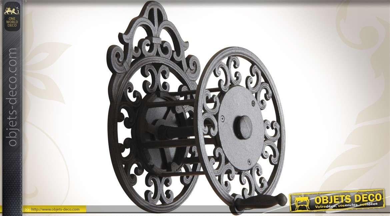 enrouleur mural pour tuyau d 39 arrosage. Black Bedroom Furniture Sets. Home Design Ideas