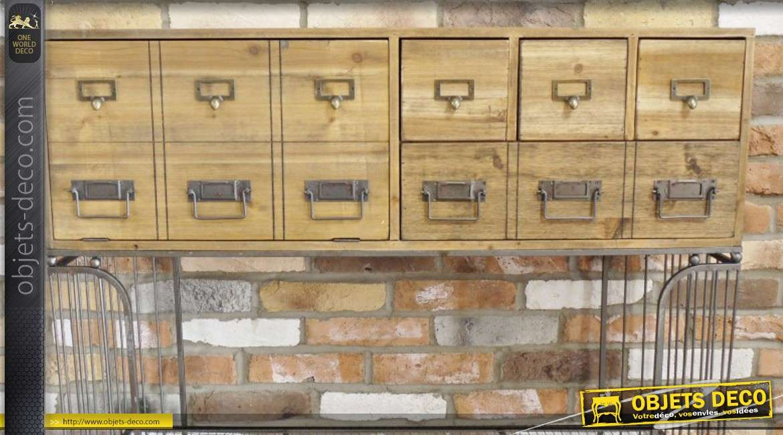 Meuble d'appoint en bois et en métal de style rétro