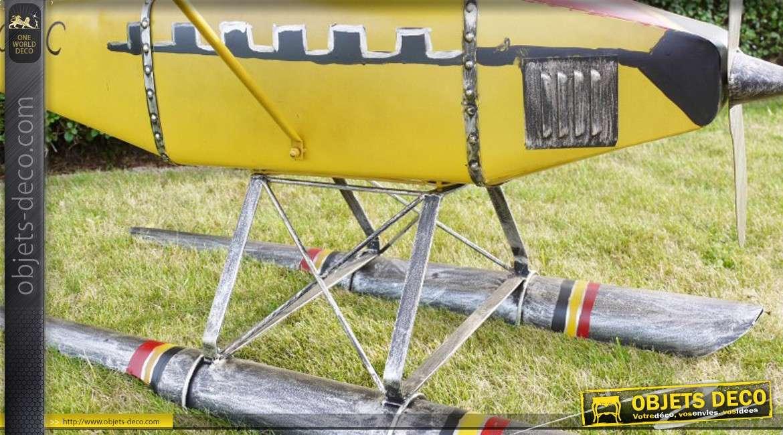 Grande reproduction d'un hydravion monoplan décoratif