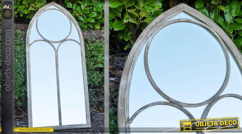 Miroir fen tre mural en bois patin blanc et en verre for Miroir 3 pans
