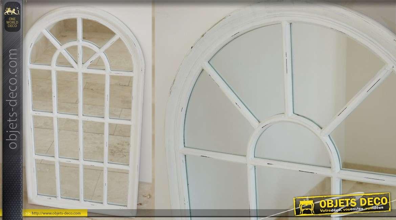 Miroir-fenêtre mural coloris blanc patiné