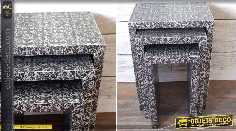 s rie de trois tables gigognes noir et argent de style marocain. Black Bedroom Furniture Sets. Home Design Ideas