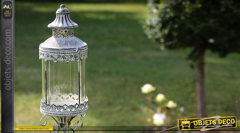 Lanterne sur pied fer forg for Lanterne exterieur sur pied