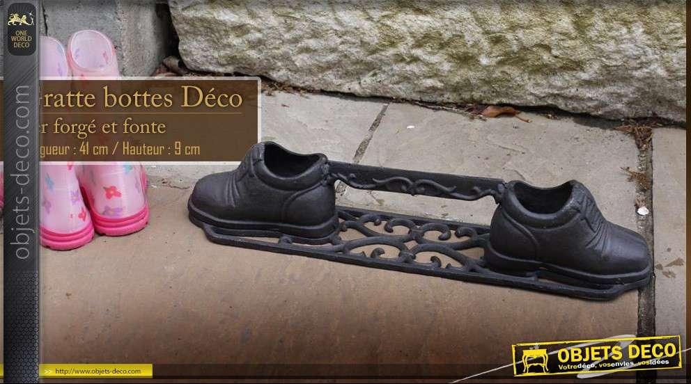 Gratte bottes en fer forgé