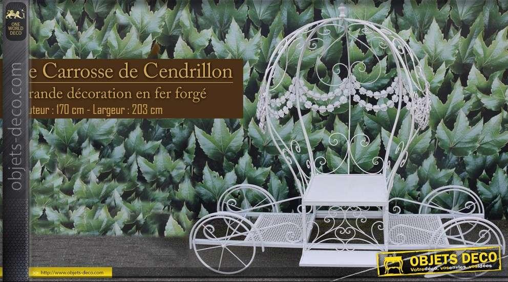 Grande d co le carrosse de cendrillon for Catalogue deco jardin