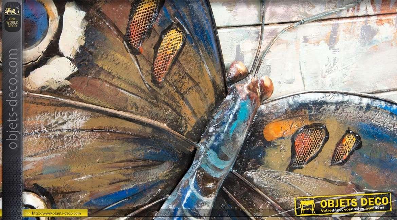 Déco murale bois et métal : grand tableau papillon 80 x 80 cm